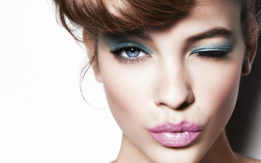 Blue-Eyes-Makeup-01